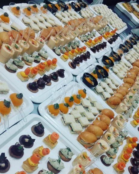 la table des matières - CAFÉ - RESTAURANT - SALON DE THÉ à Caen